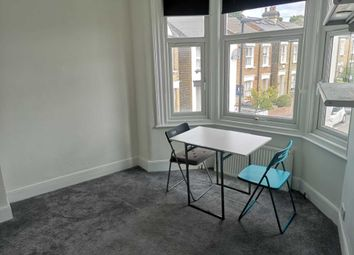 3 bed flat to rent in Wells House Road, London NW10