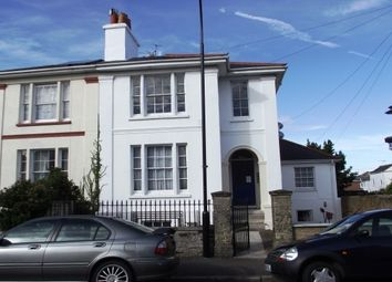 Thumbnail 1 bed flat to rent in John Street, Ryde