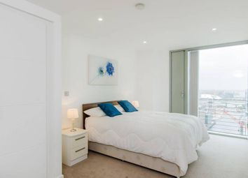 Thumbnail 3 bed flat to rent in Landmark Building, 24 Marsh Wall, South Quay, Westferry Circus, Canary Wharf, London