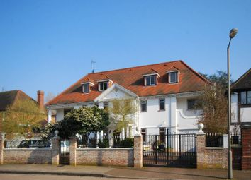 Thumbnail 8 bed detached house to rent in Roedean Crescent, Roehampton