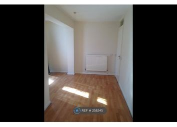 Thumbnail 3 bedroom flat to rent in Luton, Luton