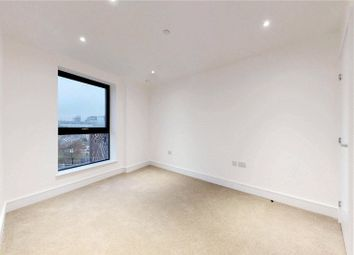 Thumbnail 1 bed flat to rent in City View Point, Poplar