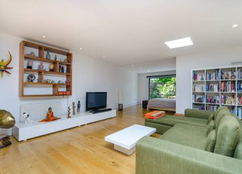 Thumbnail 2 bedroom flat to rent in Lewisham Way, New Cross