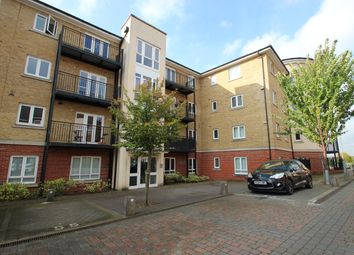 2 bed flat to rent in Tadros Court, High Wycombe HP13