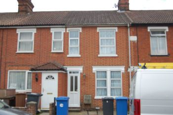 Thumbnail 3 bed terraced house to rent in Gladstone Road, Ipswich, Suffolk