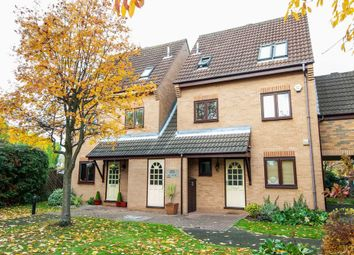 2 bed flat to rent in Heron Wharf, Castle Marina, Nottingham NG7