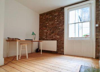 Crampton Street, London SE17. 2 bed maisonette for sale