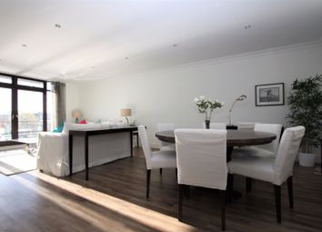 Thumbnail 2 bed flat to rent in Merganser Court, City Quay, London