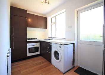 2 bed maisonette to rent in Botwell Crescent, Hayes UB3