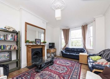 3 bed flat to rent in Marius Road, London SW17