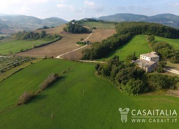 Thumbnail 15 bed villa for sale in Castiglioni, Marche, It