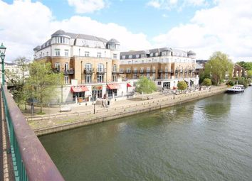 Thumbnail 2 bed flat for sale in Clarence Street, Staines