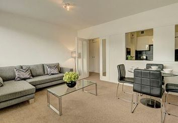 Thumbnail 1 bed flat to rent in Luke House, St. James Park, London