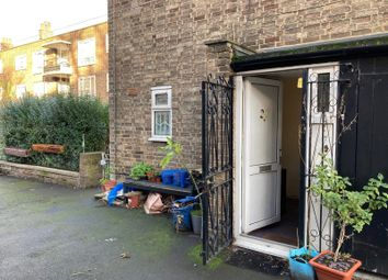 Thumbnail Room to rent in Somerford Grove Estate, London
