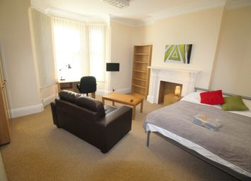 Thumbnail Room to rent in Room 8, Warwick Row