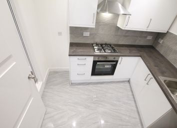 Thumbnail 2 bed flat to rent in Old Woolwich Road, Greenwich SE10.