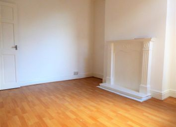 2 bed property to rent in Ilkley Villas, Estcourt Street, Hull HU9