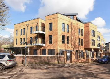 Thumbnail 2 bedroom flat for sale in Railshead Road, Isleworth