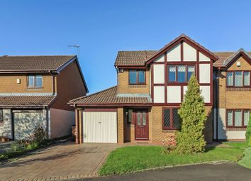 Thumbnail 3 bed detached house to rent in Swanage Close, Bury