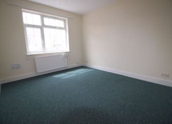 Thumbnail 1 bed flat to rent in Furnival Avenue, Slough