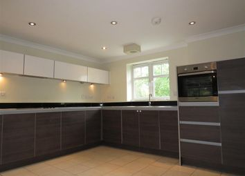3 bed flat to rent in Station Road, Balsall Common, Coventry CV7