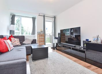 2 bed maisonette for sale in Hayward Gardens, Putney SW15