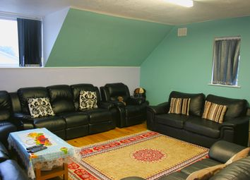 Thumbnail 2 bed flat to rent in Clewer Hill Road, Windsor