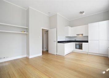 Thumbnail 1 bed flat to rent in Kings Court, Kingsgate Place, London
