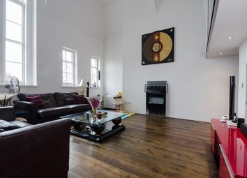 Thumbnail 3 bed flat to rent in Reed Place, Clapham