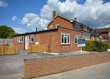 Thumbnail 1 bed bungalow for sale in Vale Avenue, Grove, Wantage