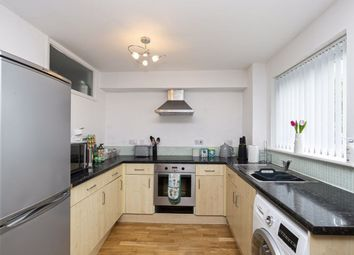 Thumbnail 2 bed flat to rent in Swans Hope, Loughton
