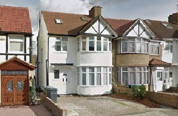Thumbnail 4 bedroom detached house to rent in Winchester Avenue, Kingsbury