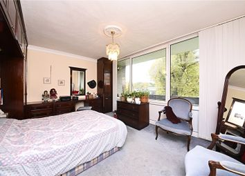 Thumbnail 2 bed flat for sale in Great North Road, East Finchley, London