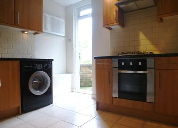 Thumbnail 2 bedroom flat to rent in High Road, Whetstone, London