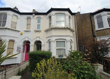 Thumbnail 1 bed flat to rent in Douglas Road, Tolworth, Surbiton
