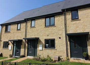 Edgehill Close, Carterton OX18. 3 bed terraced house for sale