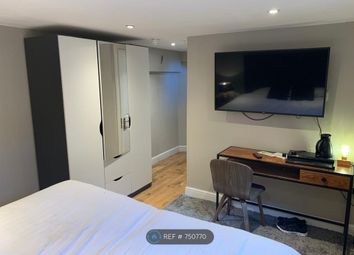 Thumbnail Room to rent in Woodford Road, Watford