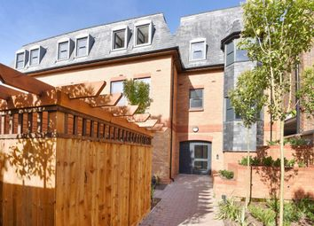 1 bed flat to rent in The Coppice, The Grove SL1