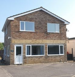 1 bed flat to rent in Meadow Park, Sherfield-On-Loddon RG27