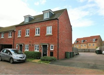 Thumbnail 3 bedroom town house to rent in Kingfisher Drive, Leighton Buzzard