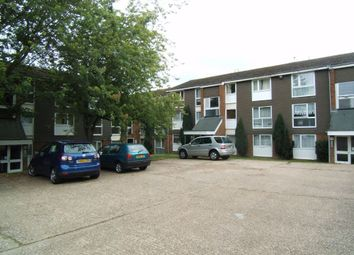 Thumbnail 2 bed flat to rent in Cuffley Court, Hemel Hempstead