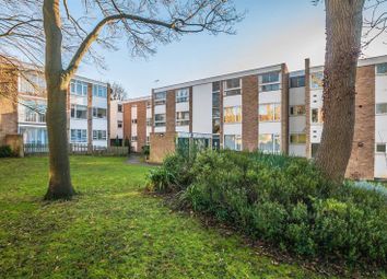 Thumbnail 2 bed flat to rent in Boyn Valley Road, Maidenhead
