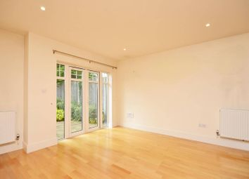 Thumbnail 1 bed flat to rent in Addlestone Park, Addlestone