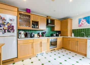 Thumbnail 2 bed flat for sale in Beresford House, Clapham, London