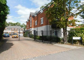Thumbnail 2 bed flat to rent in Aldenham Close, Langley