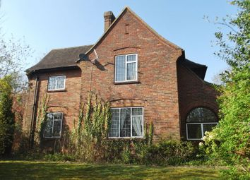 Thumbnail 5 bed detached house to rent in Rectory Avenue, High Wycombe