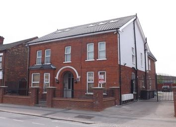 Thumbnail 2 bed flat to rent in 75 Victoria Road, Bedford