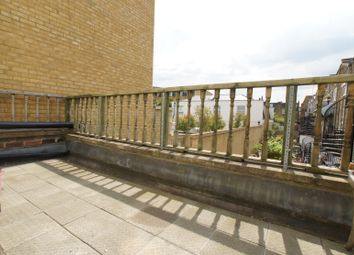 Thumbnail 4 bed triplex to rent in Chatham Road, Clapham