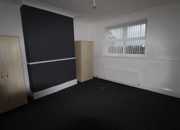 Thumbnail 2 bed flat to rent in Whitehall Road, Gateshead