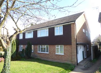 Thumbnail 2 bedroom maisonette to rent in Cookfield Close, Dunstable